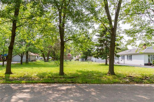3042 N Derrough, Melrose Park, IL 60164