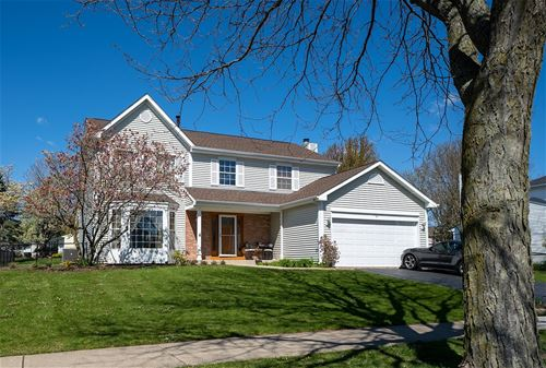 4 Georgetown, Cary, IL 60013