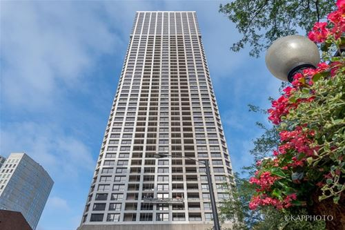 1030 N State Unit 40G, Chicago, IL 60610 Near North
