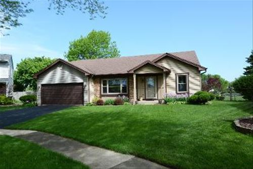 1050 Olympia, Roselle, IL 60172