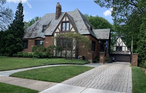 330 Blackstone, La Grange, IL 60525
