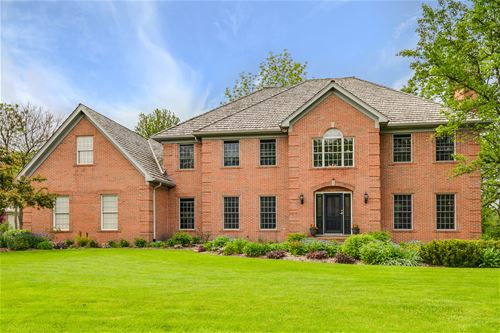28389 W Heritage Oaks, Barrington, IL 60010