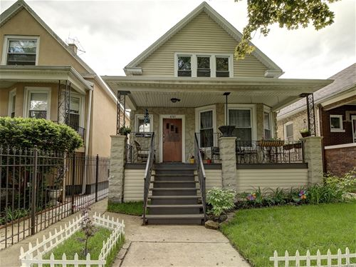 4543 N Drake, Chicago, IL 60618 Albany Park