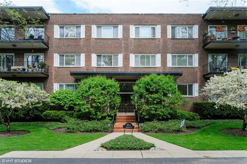 90 Franklin Unit 307, Lake Forest, IL 60045