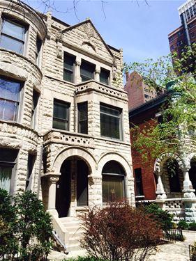 54 E Cedar Unit 2S, Chicago, IL 60611 Gold Coast