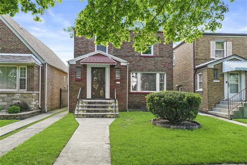 8718 S Paxton, Chicago, IL 60617 Calumet Heights