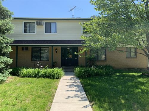 8311 Oak Leaf Unit 304, Woodridge, IL 60517