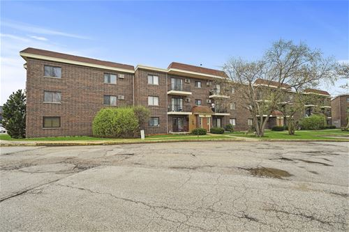 944 N Rohlwing Unit 201K, Addison, IL 60101