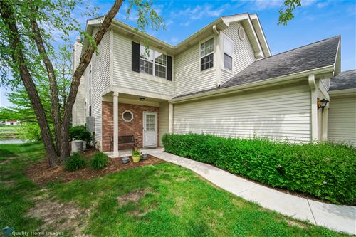 54 N Golfview Unit 54, Glendale Heights, IL 60139