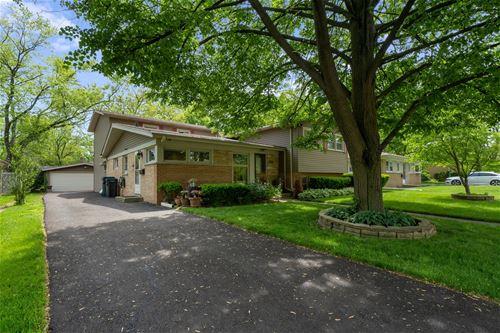 210 Millbrook, Wilmette, IL 60091