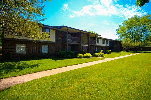 570 Somerset Unit 6, Crystal Lake, IL 60014