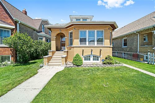 5722 W Addison, Chicago, IL 60634