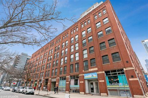 225 W Huron Unit 218, Chicago, IL 60654 River North