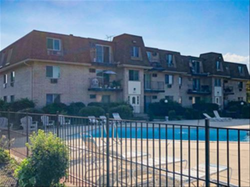 267 Shorewood Unit 18-GD, Glendale Heights, IL 60139