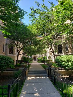 540 W Brompton Unit 2N, Chicago, IL 60657 Lakeview