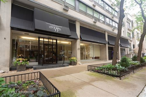 33 E Cedar Unit 19C, Chicago, IL 60611 Gold Coast