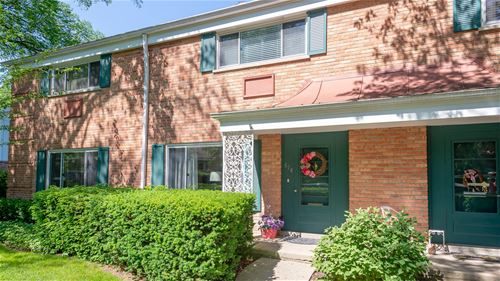 614 Carriage Hill, Glenview, IL 60025