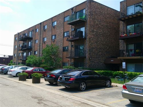8905 N Knight Unit 301, Des Plaines, IL 60016