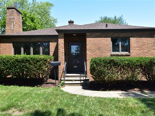 812 E 11th, Lockport, IL 60441