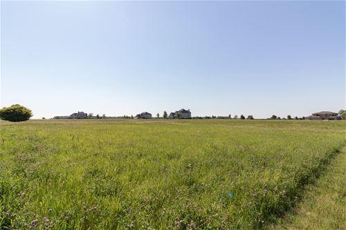 5725 Whitetail Ridge, Yorkville, IL 60560
