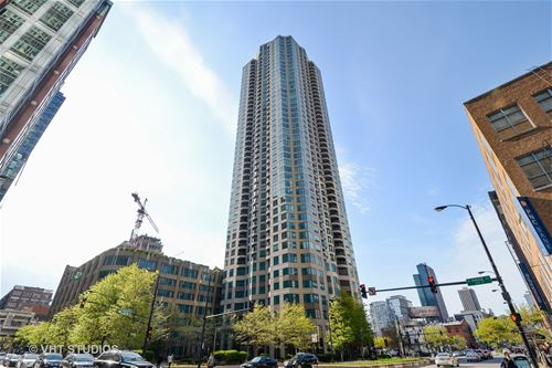 400 N La Salle Unit 4306, Chicago, IL 60654 River North