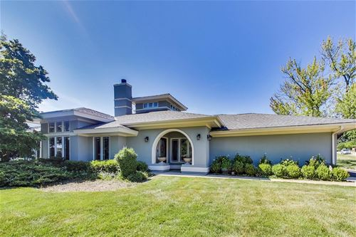 5556 S Quincy, Hinsdale, IL 60521