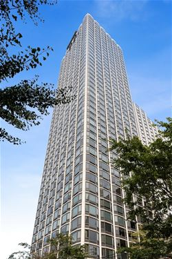1555 N Astor Unit 5W, Chicago, IL 60610 Gold Coast