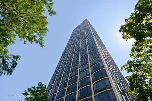 1555 N Astor Unit 15W, Chicago, IL 60610 Gold Coast
