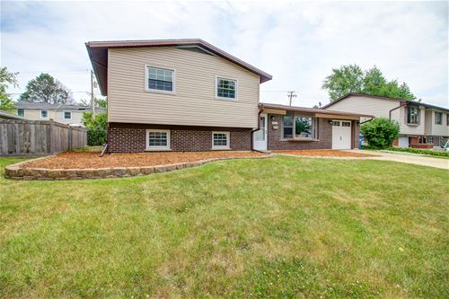 7425 Northway, Hanover Park, IL 60133