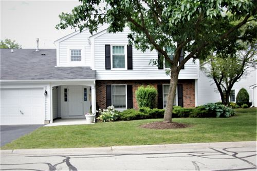 31 Plymouth Unit 102B, Naperville, IL 60565