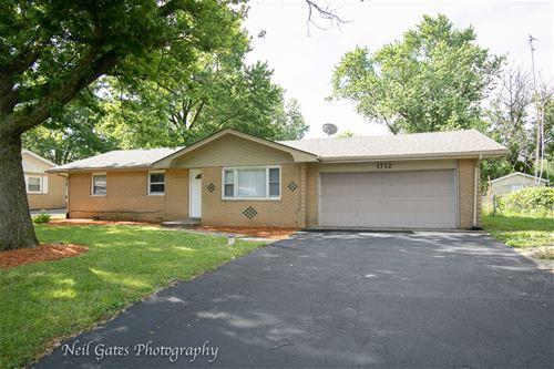 1712 Pinewood, Joliet, IL 60433
