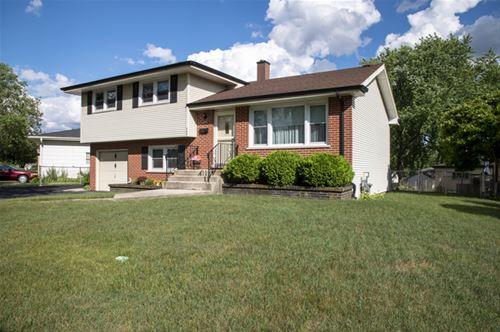 449 W Circle, Addison, IL 60101