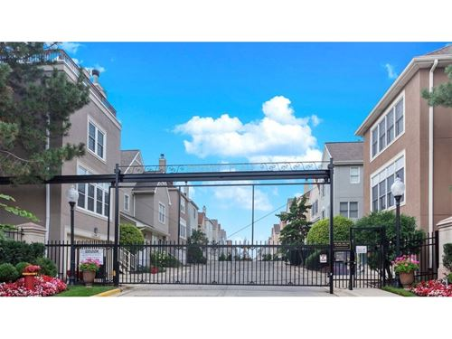 1806 W Diversey, Chicago, IL 60614 Hamlin Park