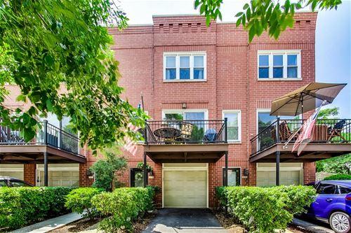 1833 W Oakdale Unit B, Chicago, IL 60657 Hamlin Park