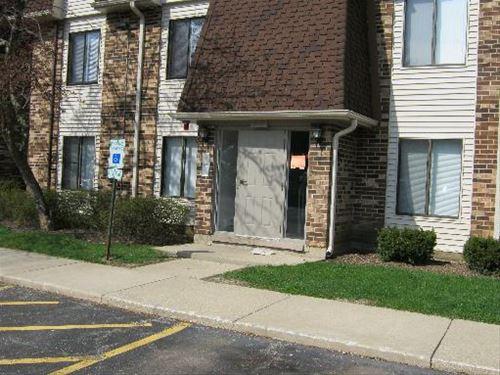 209 W Court Of Shorewood Unit 2A, Vernon Hills, IL 60061