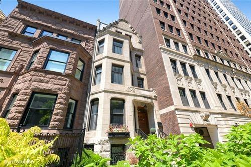68 E Cedar Unit 1R, Chicago, IL 60611 Gold Coast