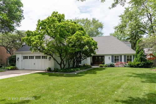 606 Dauphine, Northbrook, IL 60062