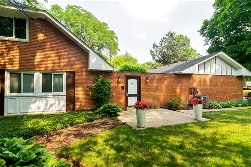 20 St George, Rolling Meadows, IL 60008