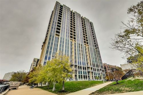 700 N Larrabee Unit 1410, Chicago, IL 60654