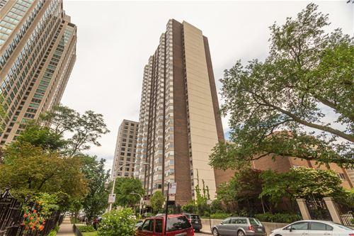 525 W Hawthorne Unit 902, Chicago, IL 60657 Lakeview