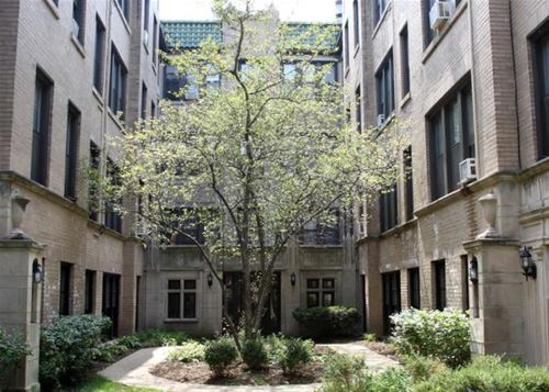 639 W Roscoe Unit P1, Chicago, IL 60657 Lakeview