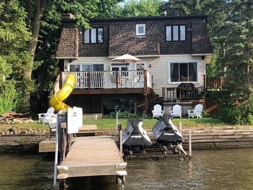 414 N River, Fox River Grove, IL 60021