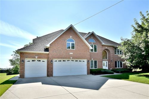 827 Parkside, Itasca, IL 60143