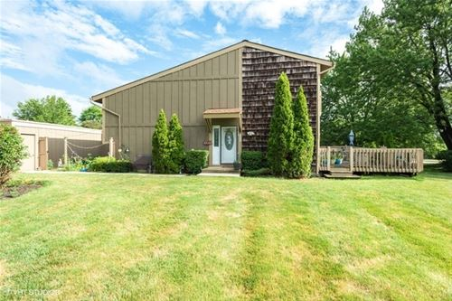 645 Overland, Roselle, IL 60172