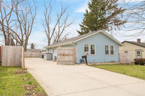 923 Chippewa, Carpentersville, IL 60110