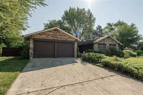 183 Manor, Bloomingdale, IL 60108