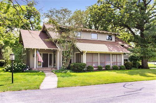 380 Merry Oaks, Sycamore, IL 60178