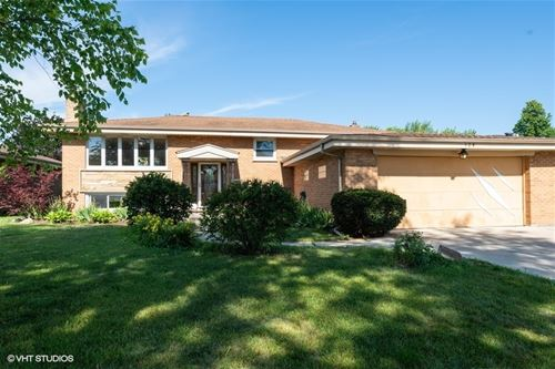 574 N Plamondon, Addison, IL 60101
