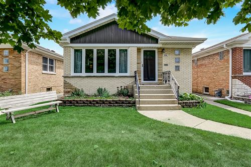 6949 W Leland, Harwood Heights, IL 60706