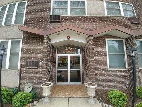 1333 W Touhy Unit 303, Park Ridge, IL 60068